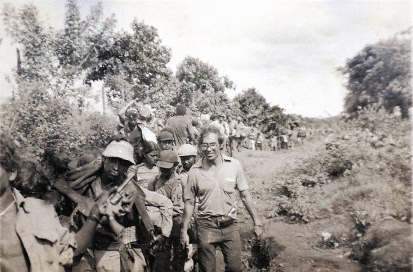 Para salvar a la población, los entonces guerrilleros del Frente Sandinista se replegaron hacia Masaya en una acción épica que salvó mucha vidas (en la foto, hace 34 años). Sus protagonistas están siendo ninguneados por el actual gobierno de Nicaragua, que quiere hacer aparecer a Daniel Ortega como el líder de El Repliegue, cuando ni siquiera estuvo ahí.