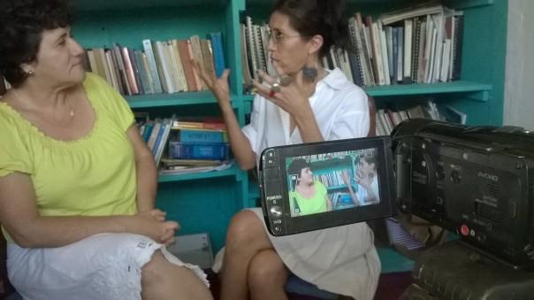 La Dra. Martha Cabrera durante la entrevista. Photo by Ximena Largaespada (2014, marzo).