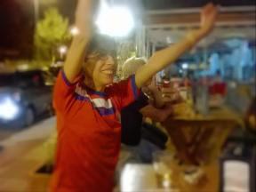 Porque somos la misma gente, porque las fronteras las inventaron otros, porque el discurso xenófobo lo alimentan los malos periodistas y los peores políticos, porque los nacionalismos se diluyen cuando nos abrazamos y porque estamos orgullosas del arduo trabajo que han emprendido... Por todo, vamos Costa Rica! (5 de Julio, 2014. Mundial de fútbol)