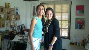 Con Lula Mena, en su estudio en San Salvador, El Salvador. Escribí sobre ella en el blog 1001 trópicos: https://milyuntropicos.wordpress.com/2014/06/10/lula-mena/