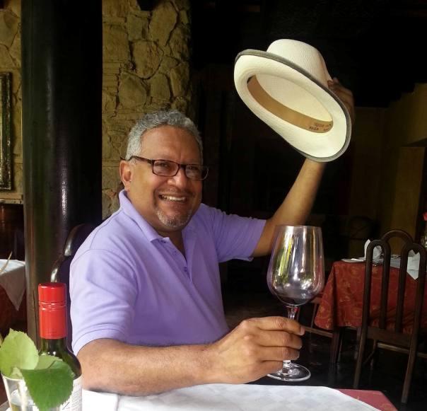 El poeta y narrador nicaragüense Alejandro Bravo. (Photo cedida por el autor).