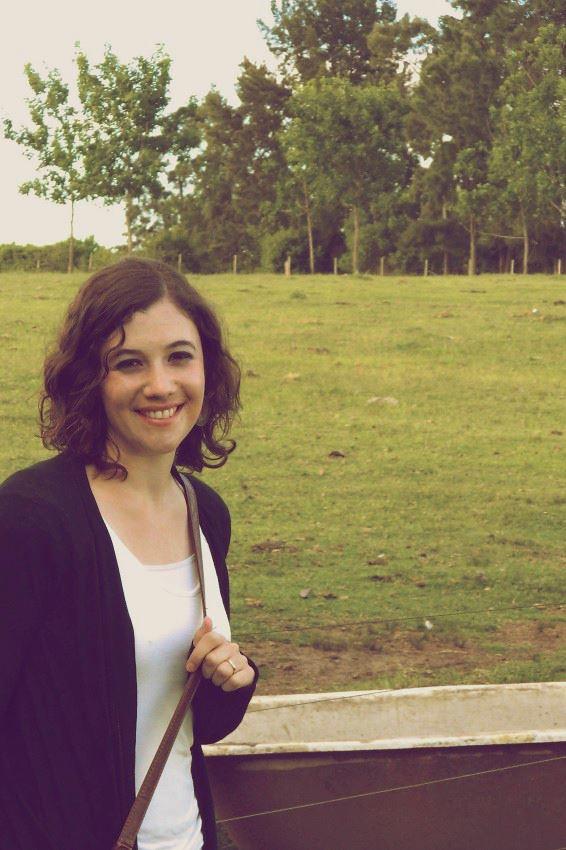 Silvia Viñas. Periodista, bloguera, productora. Antes editora de Global Voices para América Latina. Actualmente en Radio Ambulante, el sitio de la crónica hispanoamericana.